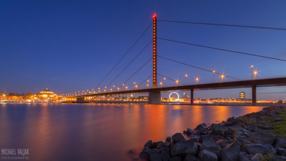 Düsseldorf Oberkasseler Brücke
