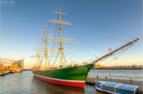 Rickmer Rickmers in Hamburg in der Abendsonne