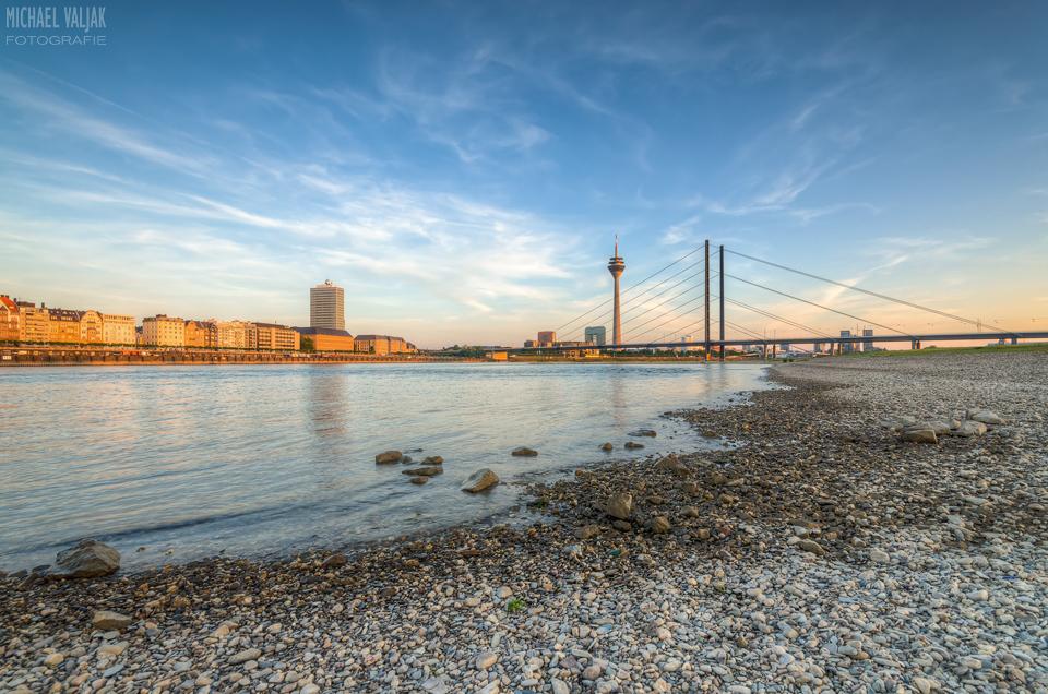 Düsseldorf Panorama am Rhein