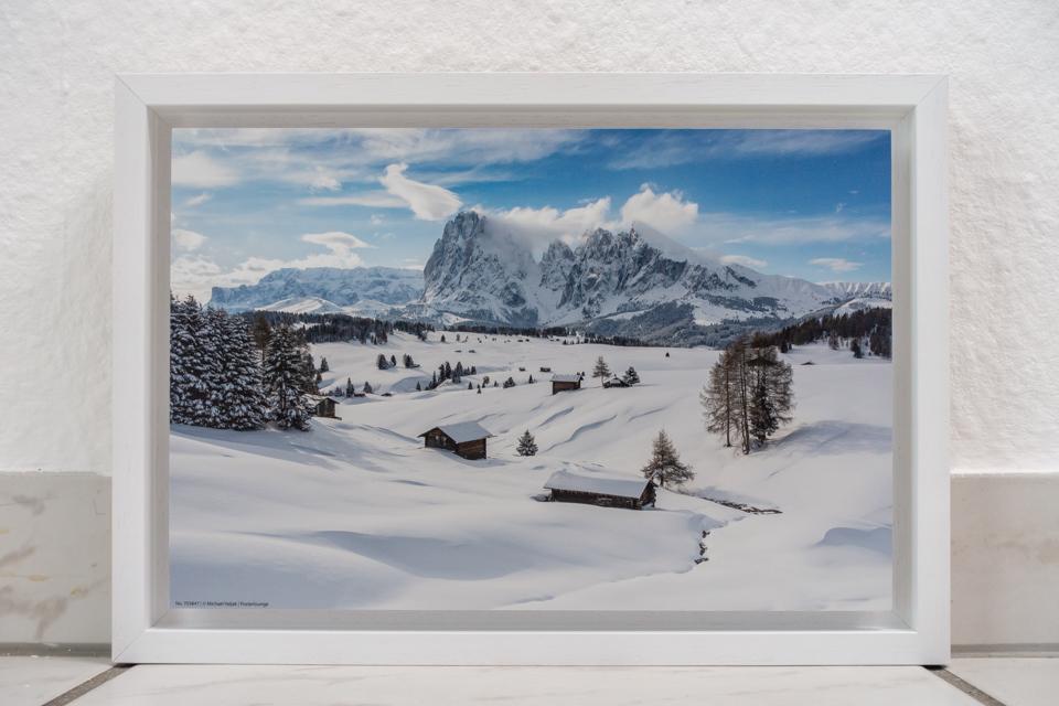 Winter auf der Seiser Alm, Druck auf Alu-Dibond mit weißem Schattenfugenrahmen, Maß 30 x 20 cm