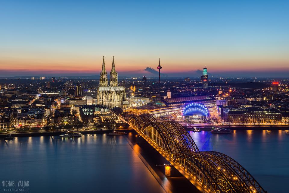 Köln zur blauen Stunde