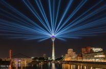 Rheinkomet® – Lichtshow auf dem Rheinturm in Düsseldorf I