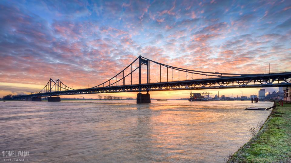 Krefeld-Uerdingen Rheinbrücke