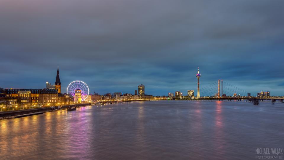 Düsseldorf Panorama bei Hochwasser