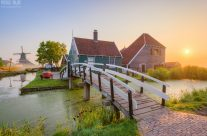 Sonnenaufgang in Zaanse Schans in Holland