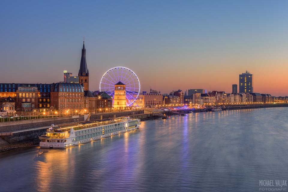 Düsseldorf Blick zur Altstadt