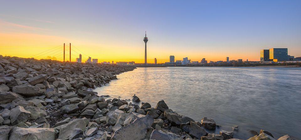 Am Rheinufer in Düsseldorf
