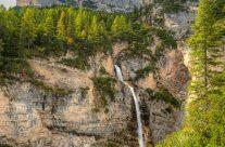 Fanes Wasserfall in den Dolomiten