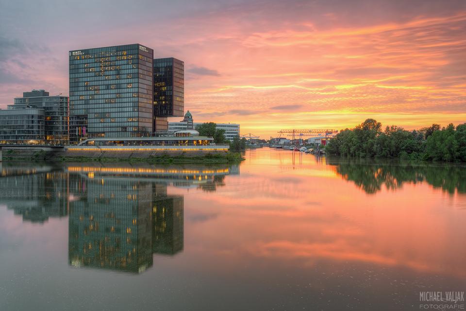 Medienhafen Düsseldorf Sonnenuntergang