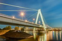 Severinsbrücke in Köln am Abend