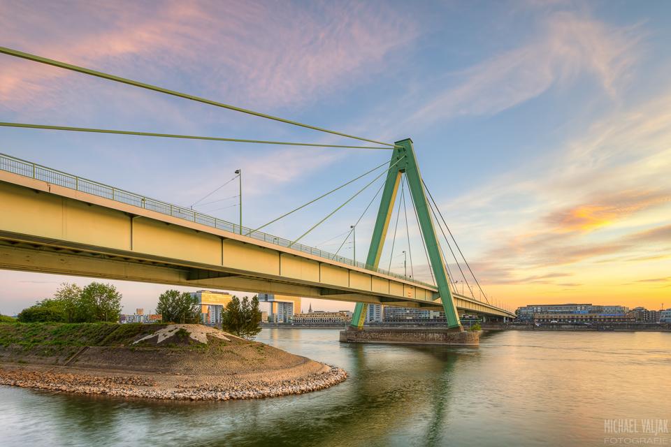 Severinsbrücke in Köln