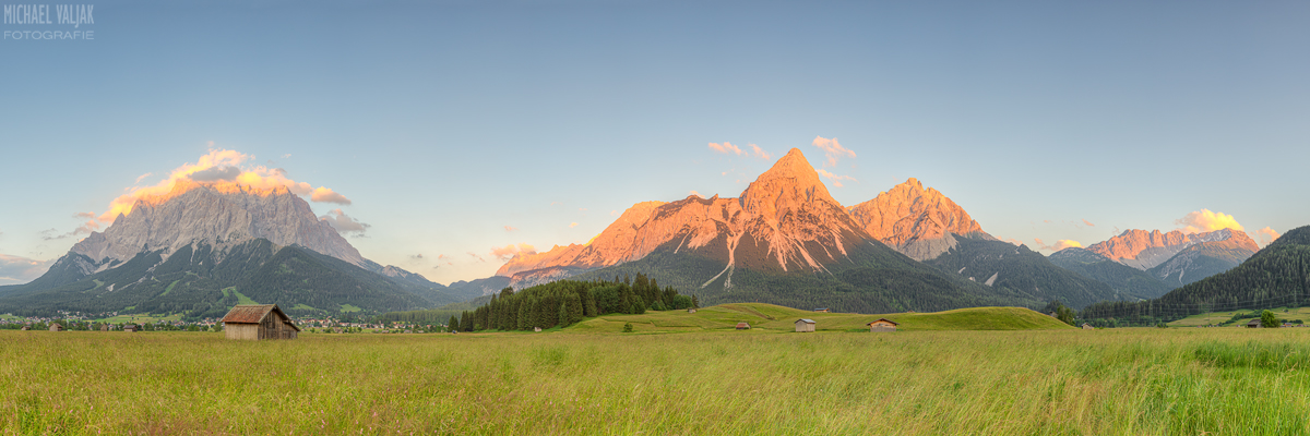 Alpenpanorama in Lermoos in Österreich