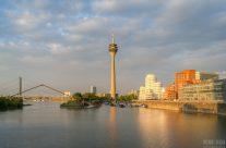 Goldene Stunde im Medienhafen Düsseldorf