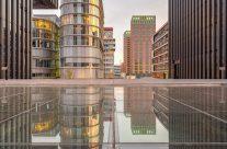 Spiegelung im Medienhafen Düsseldorf