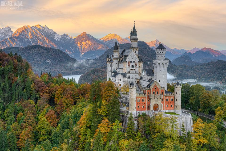 Schloss Neuschwanstein im Frühherbst