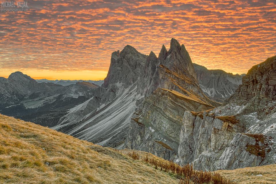 Sonnenaufgang auf der Seceda in Südtirol
