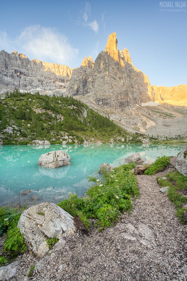 Morgenstimmung am Lago di Sorapis in den Dolomiten