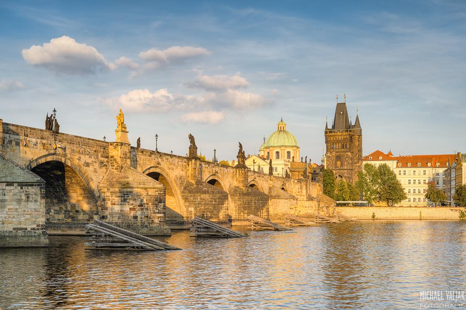 Karlsbrücke Prag in der Abendsonne